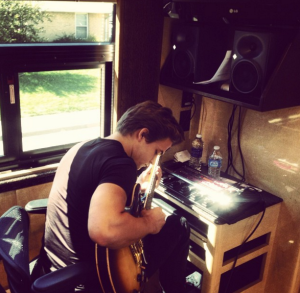 Hunter Hayes - back of the bus studio corner.